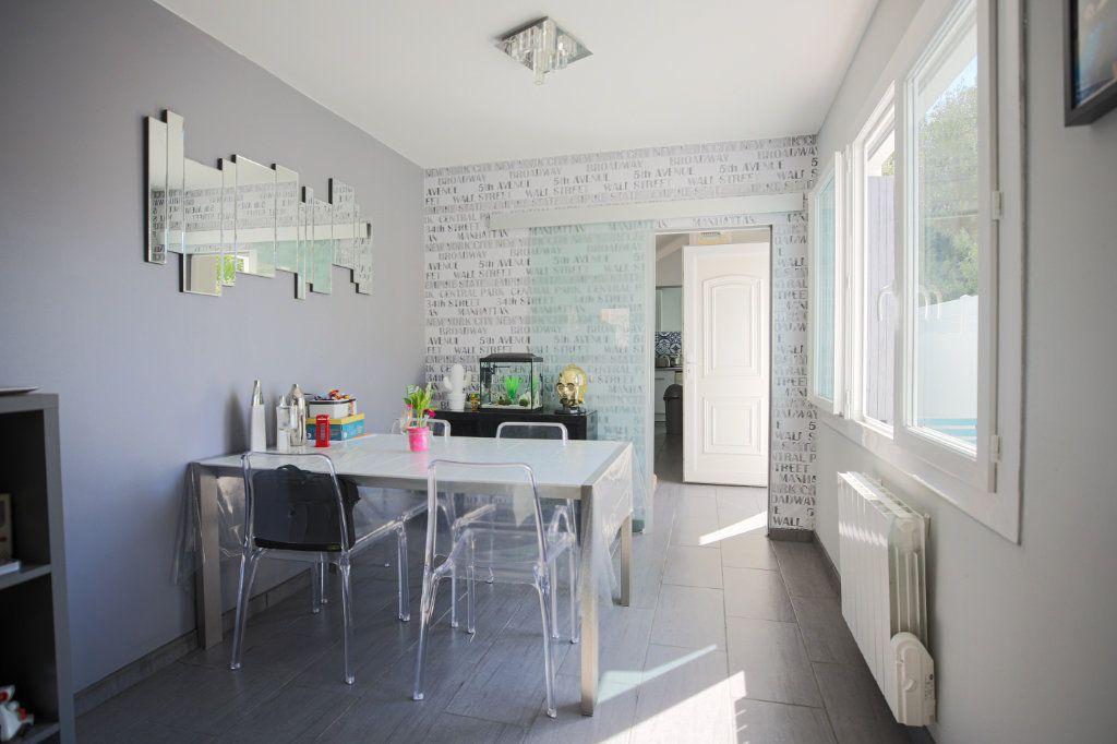 Maison à vendre 3 70m2 à Béziers vignette-4