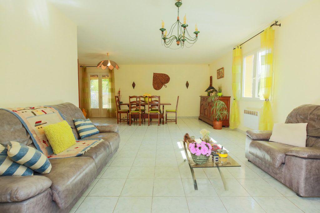 Maison à vendre 5 104.69m2 à Péret vignette-2