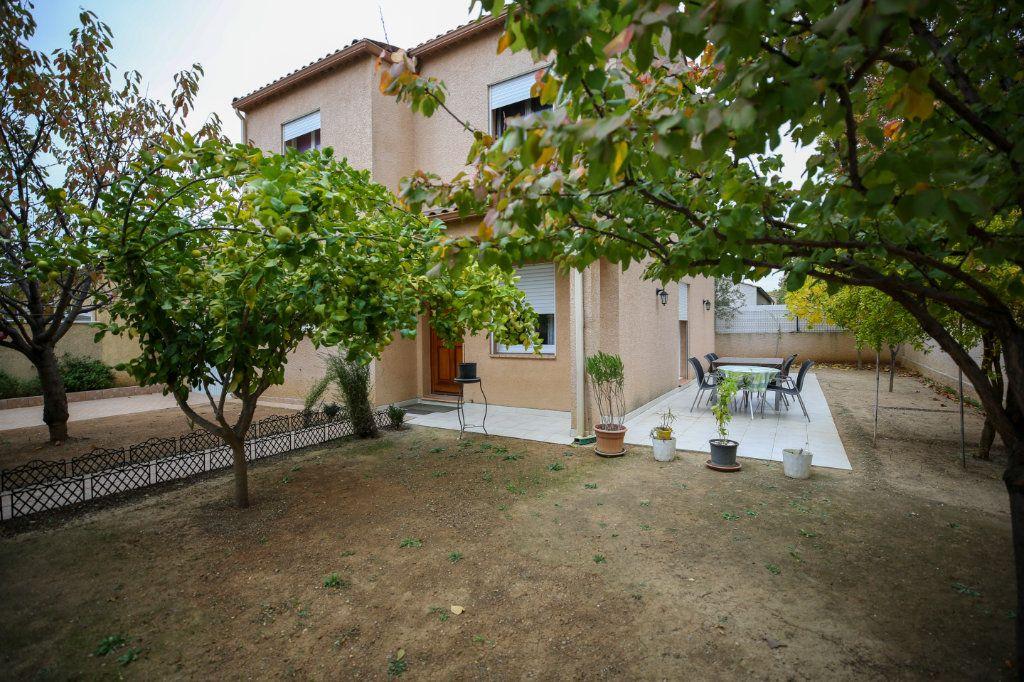 Maison à vendre 5 107m2 à Béziers vignette-1