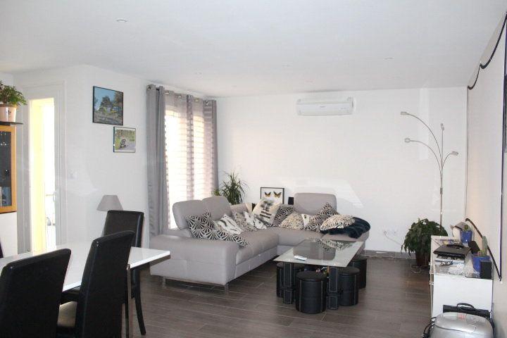 Appartement à vendre 3 89m2 à Béziers vignette-1