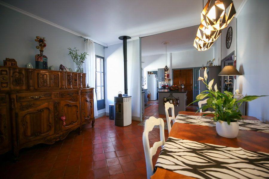Maison à vendre 4 109m2 à Pomérols vignette-4