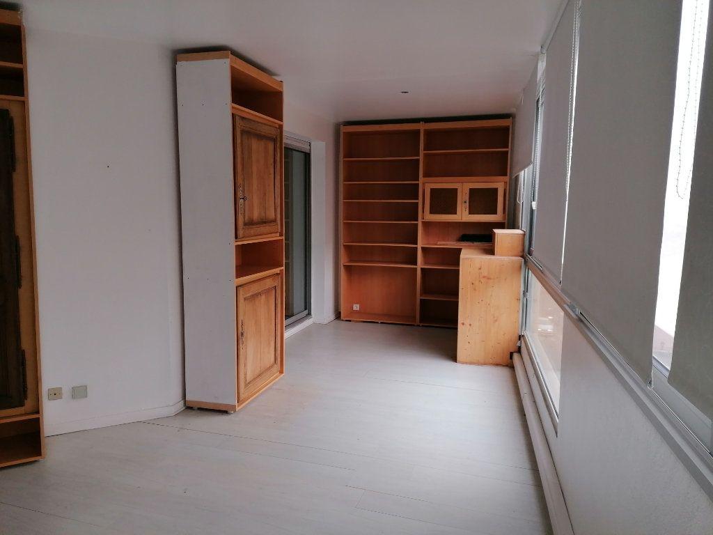 Appartement à louer 2 50.21m2 à Béziers vignette-4