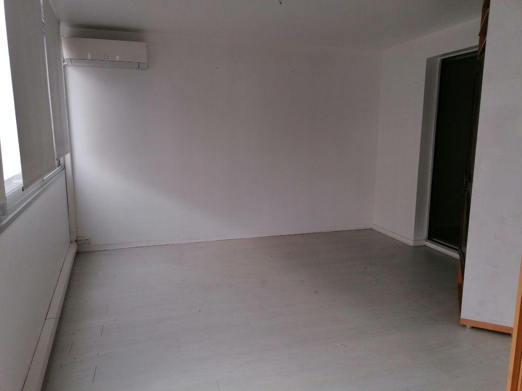 Appartement à louer 2 50.21m2 à Béziers vignette-5
