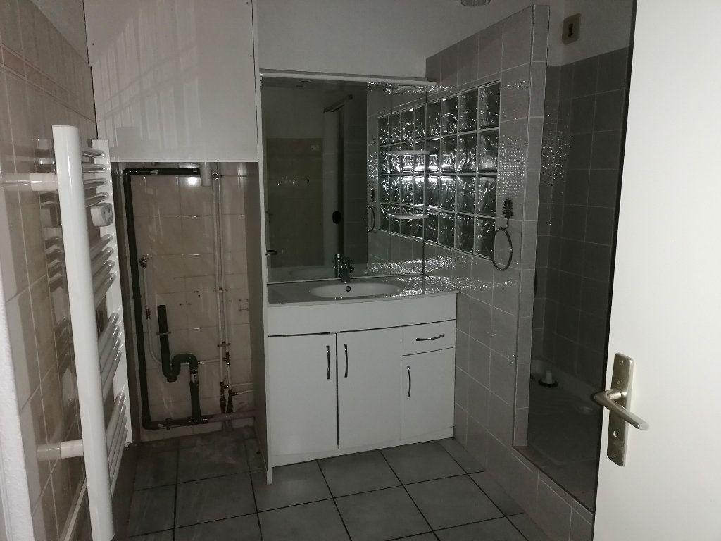 Appartement à louer 2 50.21m2 à Béziers vignette-6