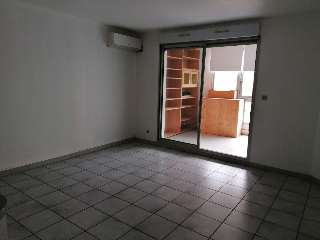 Appartement à louer 2 50.21m2 à Béziers vignette-7