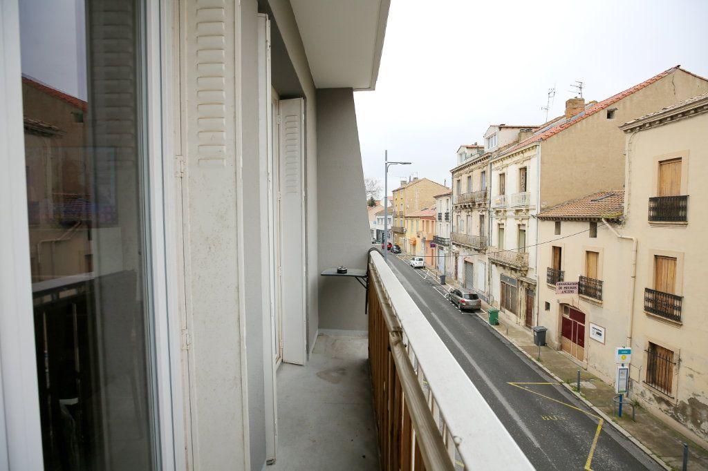 Appartement à vendre 3 66.96m2 à Béziers vignette-4