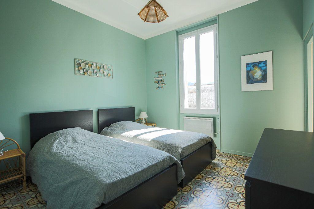 Maison à vendre 7 135m2 à Lamalou-les-Bains vignette-5