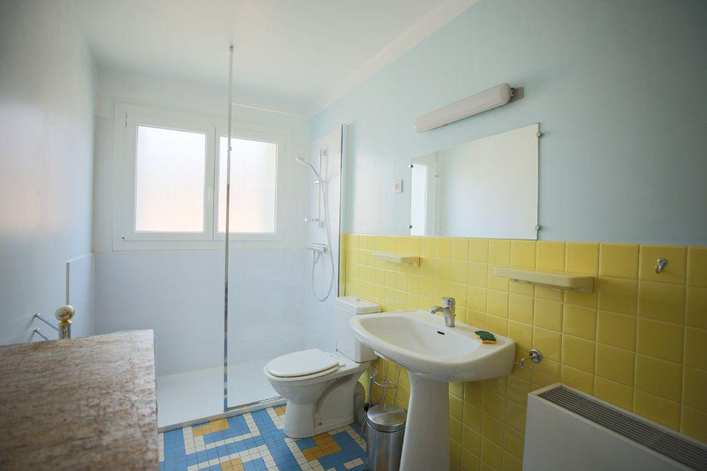 Maison à vendre 7 135m2 à Lamalou-les-Bains vignette-8