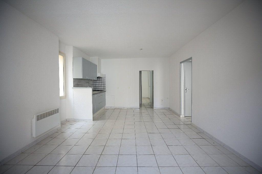 Appartement à vendre 3 55m2 à Pézenas vignette-2