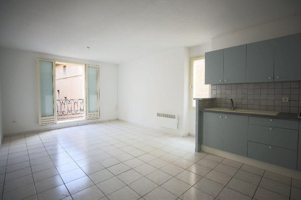 Appartement à vendre 3 55m2 à Pézenas vignette-3
