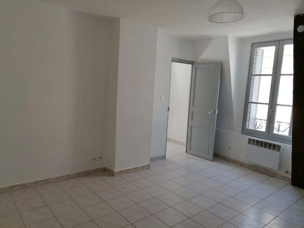 Appartement à louer 2 46.15m2 à Béziers vignette-1