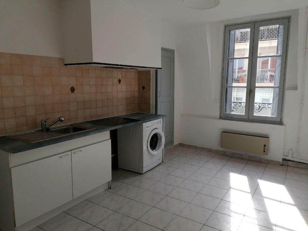 Appartement à louer 2 46.15m2 à Béziers vignette-2