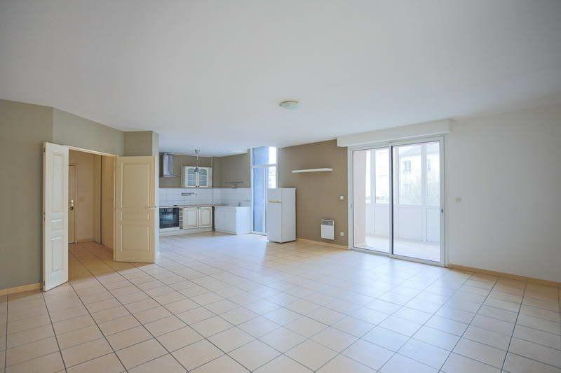 Appartement à vendre 4 109.2m2 à Agde vignette-1