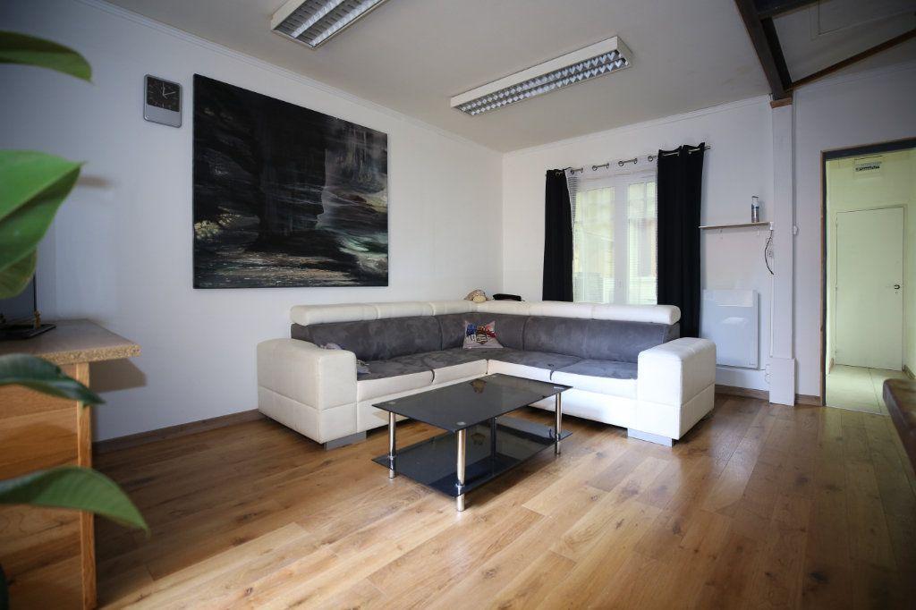 Appartement à vendre 5 101.17m2 à Béziers vignette-2