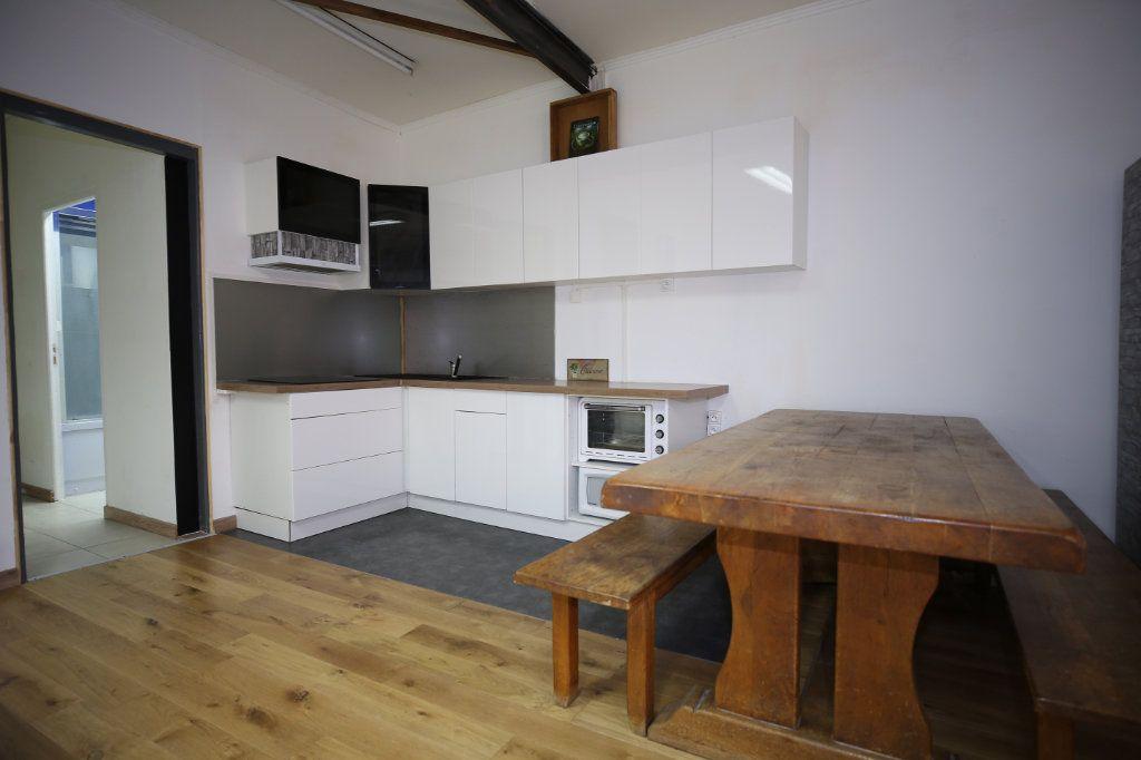 Appartement à vendre 5 101.17m2 à Béziers vignette-3