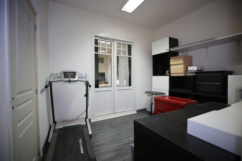 Appartement à vendre 5 101.17m2 à Béziers vignette-4