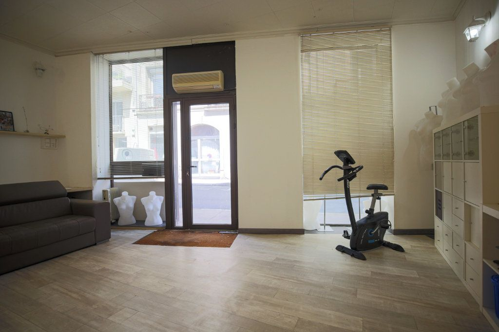 Appartement à vendre 5 101.17m2 à Béziers vignette-7