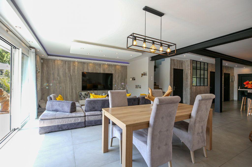 Maison à vendre 5 160m2 à Béziers vignette-3