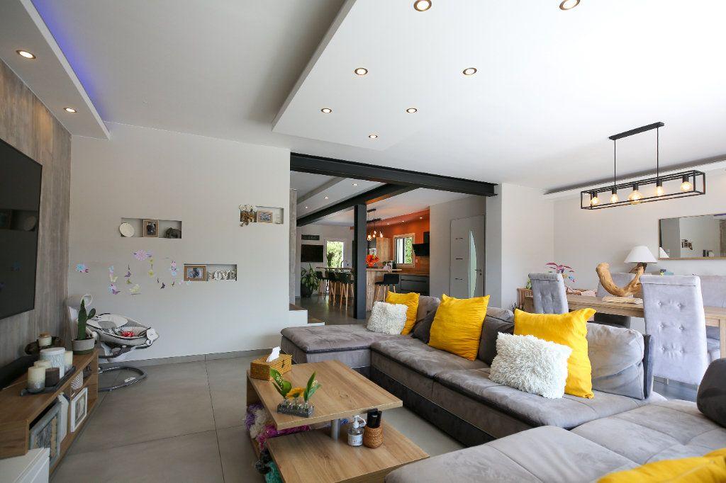 Maison à vendre 5 160m2 à Béziers vignette-7