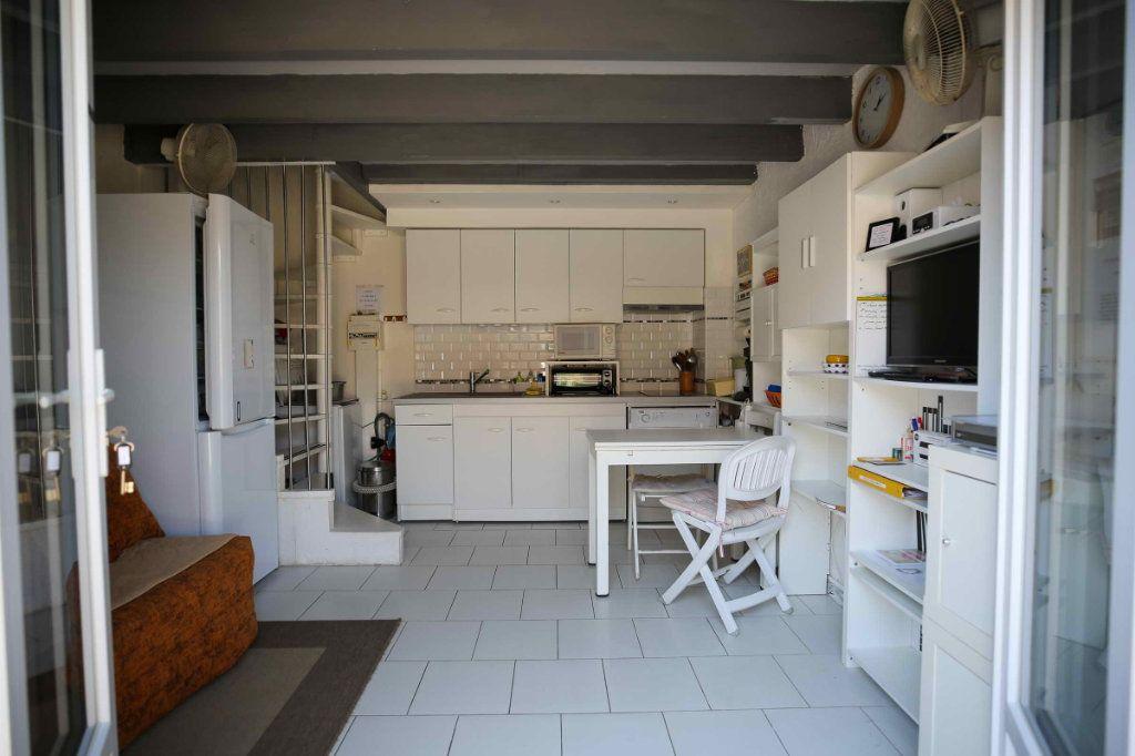 Appartement à vendre 2 25m2 à Marseillan vignette-1