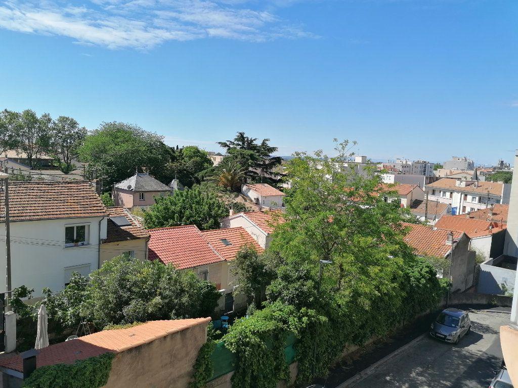 Appartement à louer 2 40.3m2 à Béziers vignette-2