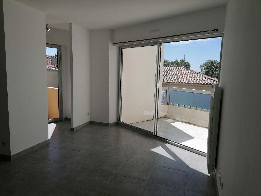 Appartement à louer 2 40.3m2 à Béziers vignette-4