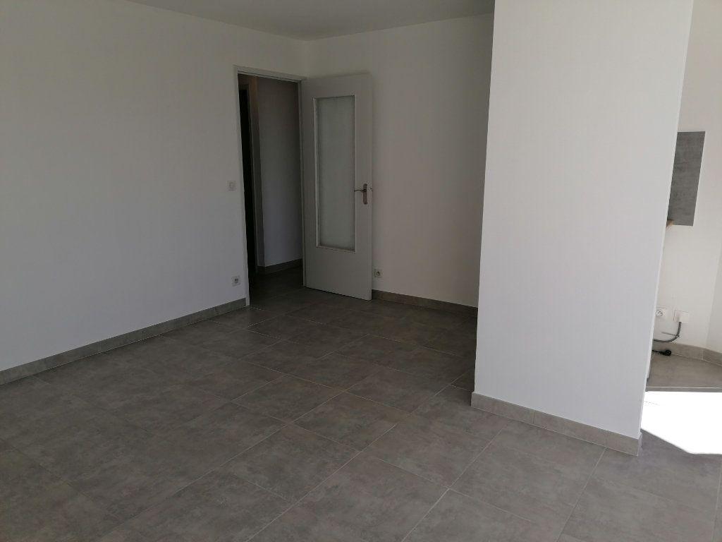 Appartement à louer 2 40.3m2 à Béziers vignette-7