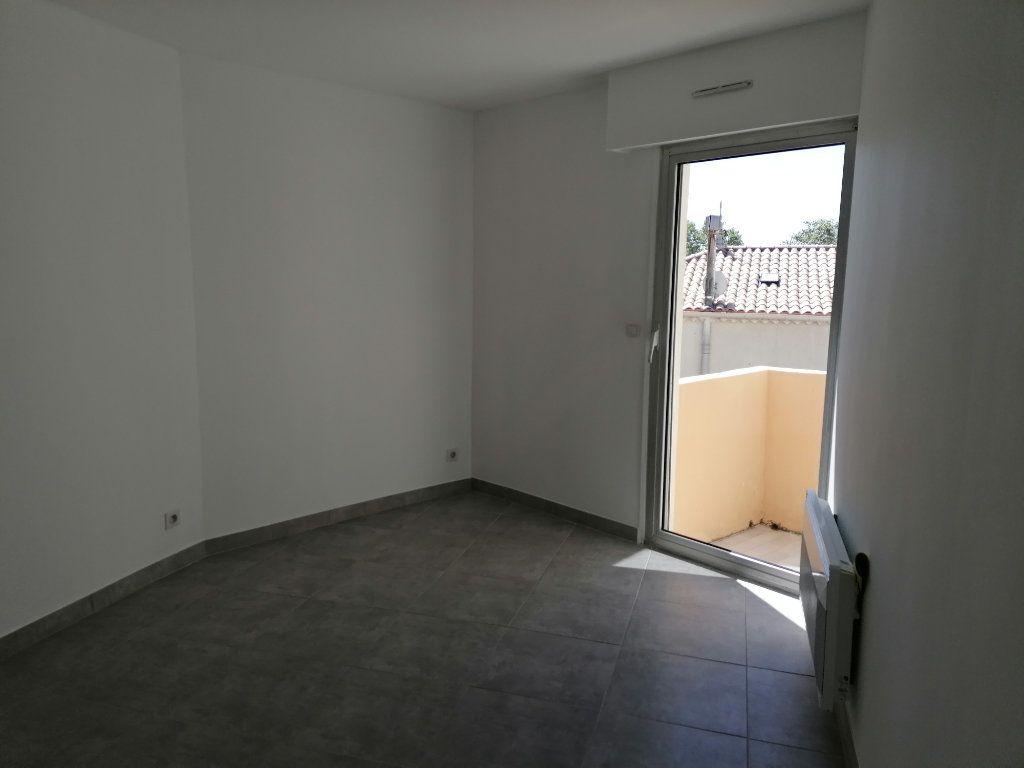 Appartement à louer 2 40.3m2 à Béziers vignette-8