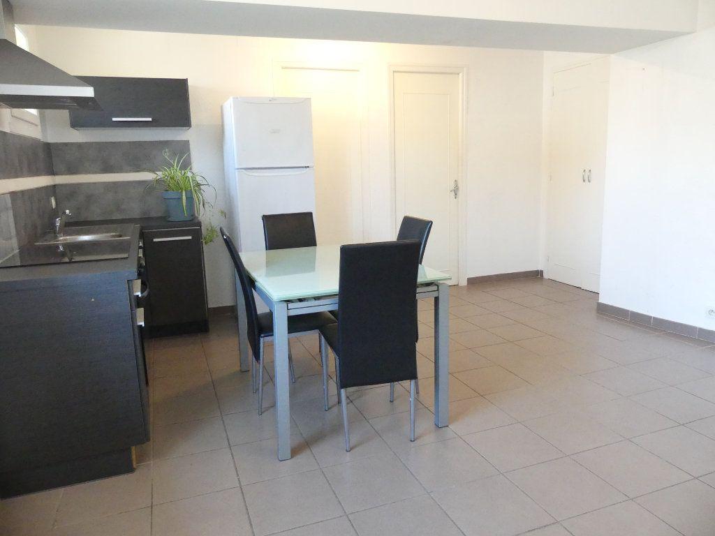 Appartement à vendre 3 43m2 à Sérignan vignette-2