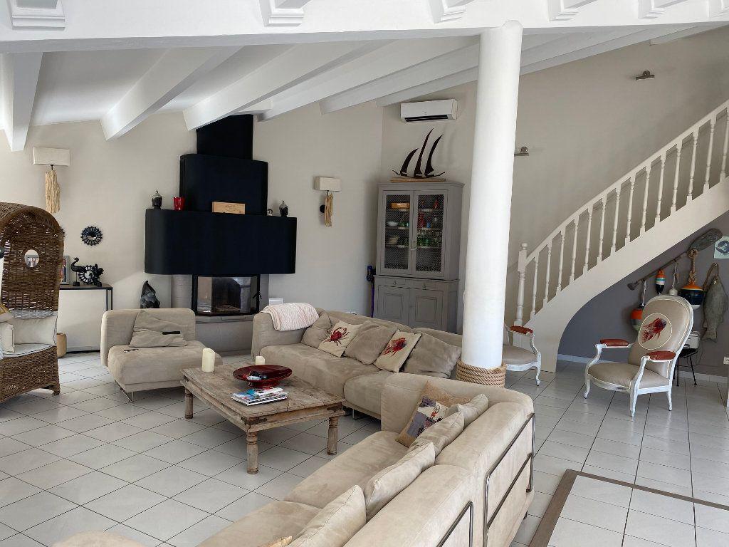 Appartement à vendre 5 230m2 à Le Cap d'Agde - Agde vignette-3