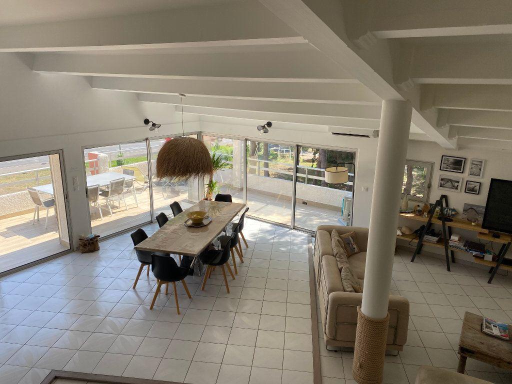 Appartement à vendre 5 230m2 à Le Cap d'Agde - Agde vignette-4