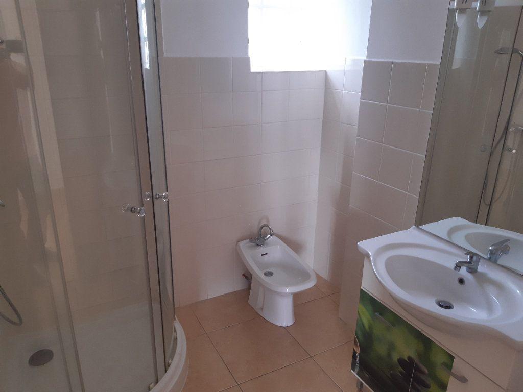 Appartement à louer 3 70m2 à Pomérols vignette-3
