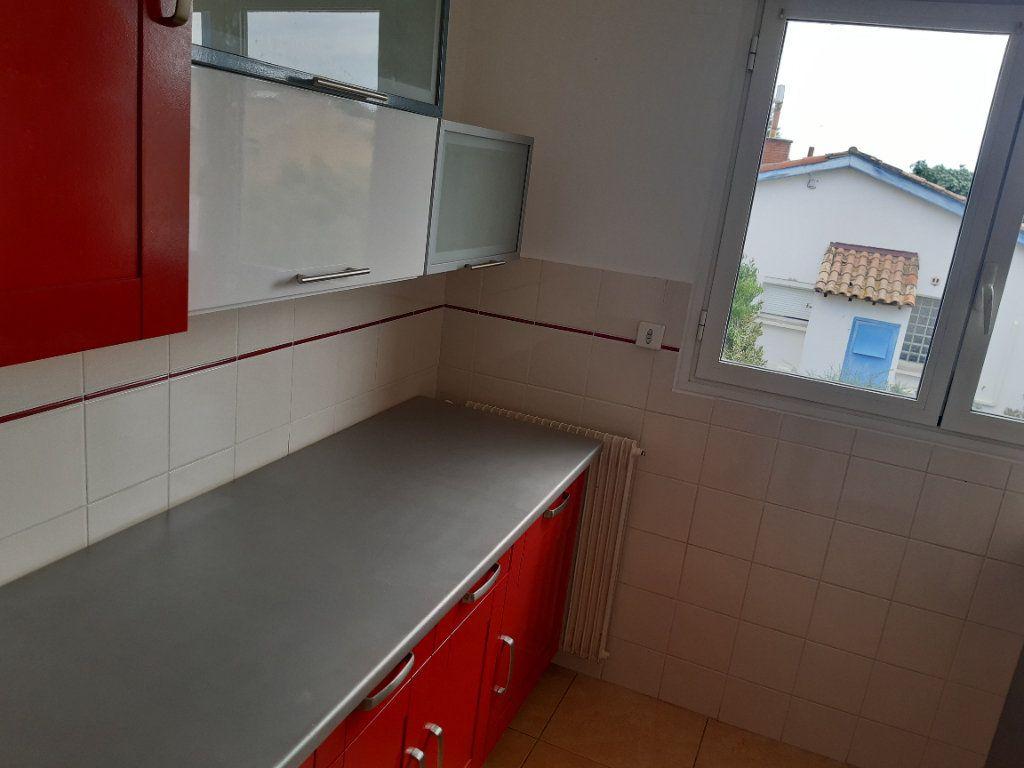 Appartement à louer 3 70m2 à Pomérols vignette-5