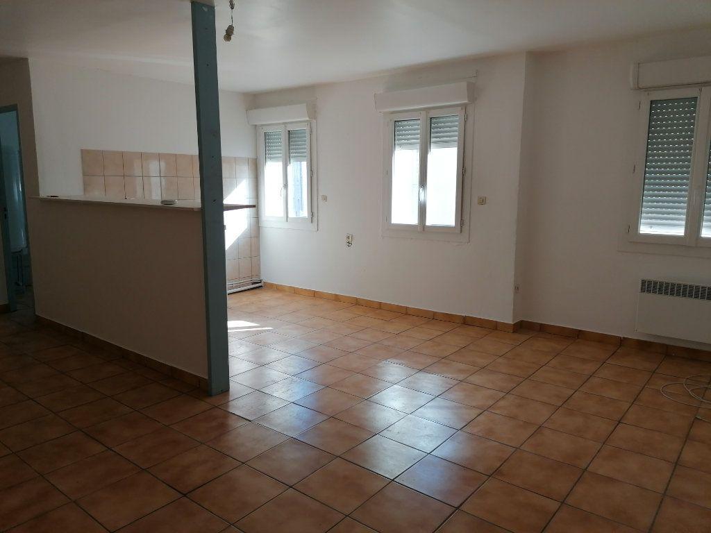 Appartement à louer 2 55m2 à Béziers vignette-1