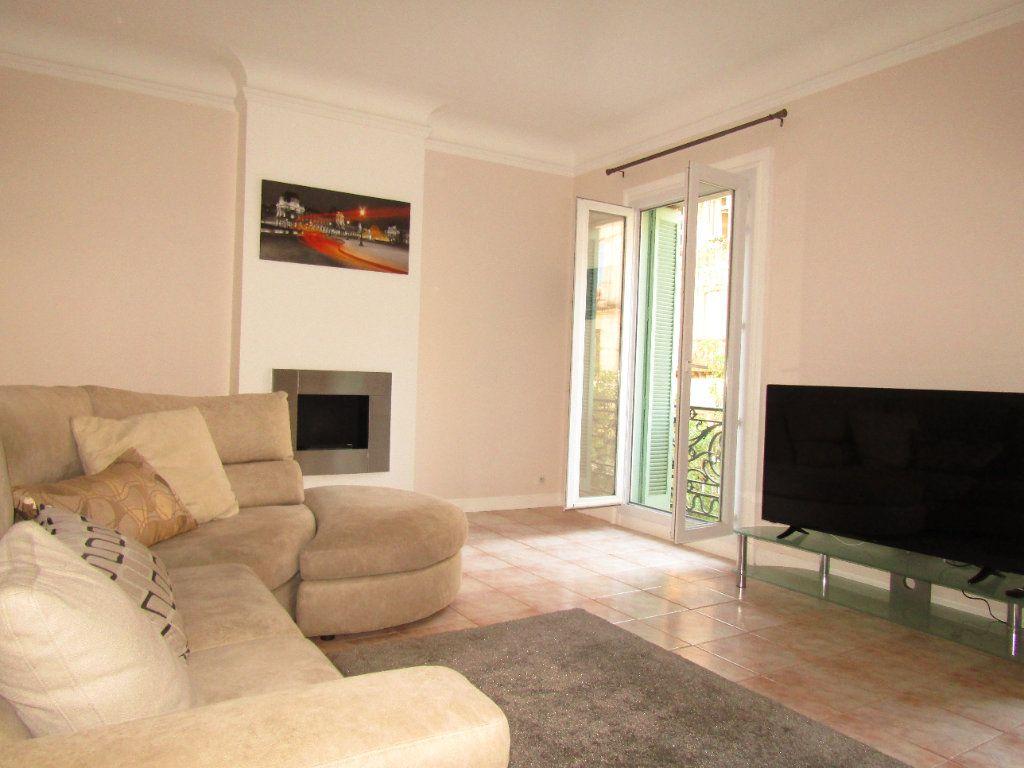 Appartement à louer 3 92m2 à Béziers vignette-1