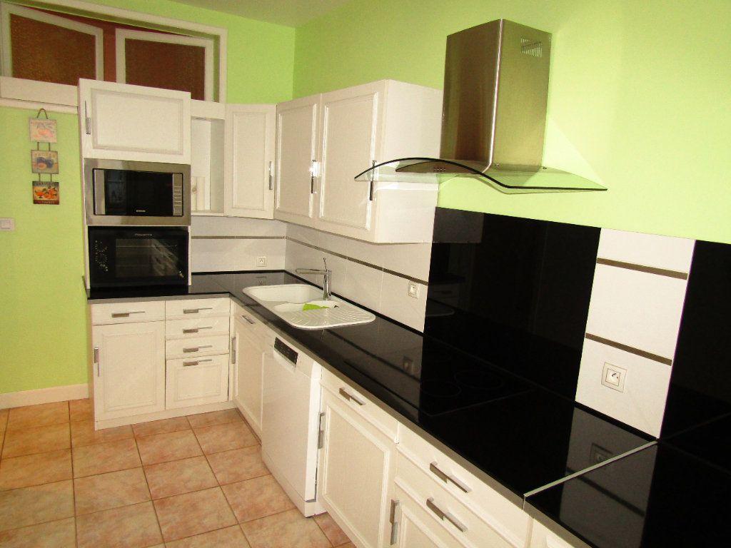 Appartement à louer 3 92m2 à Béziers vignette-2