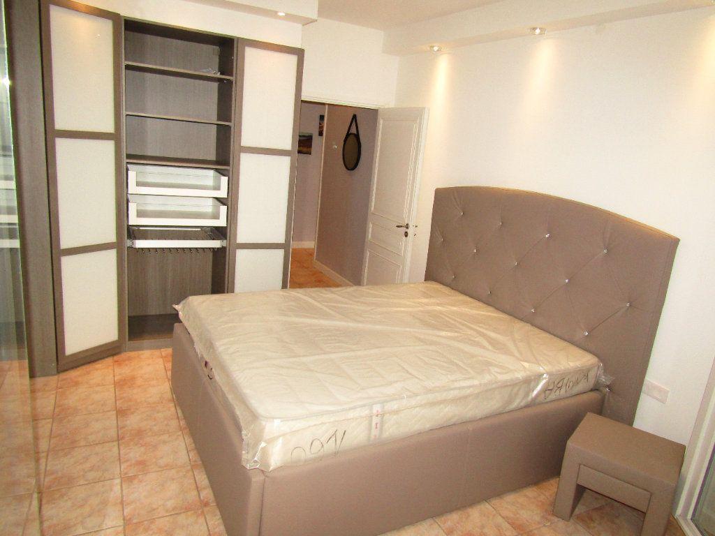 Appartement à louer 3 92m2 à Béziers vignette-3
