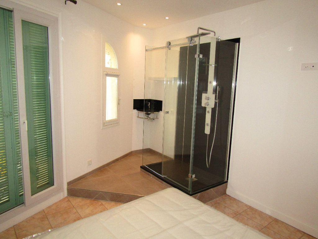 Appartement à louer 3 92m2 à Béziers vignette-7