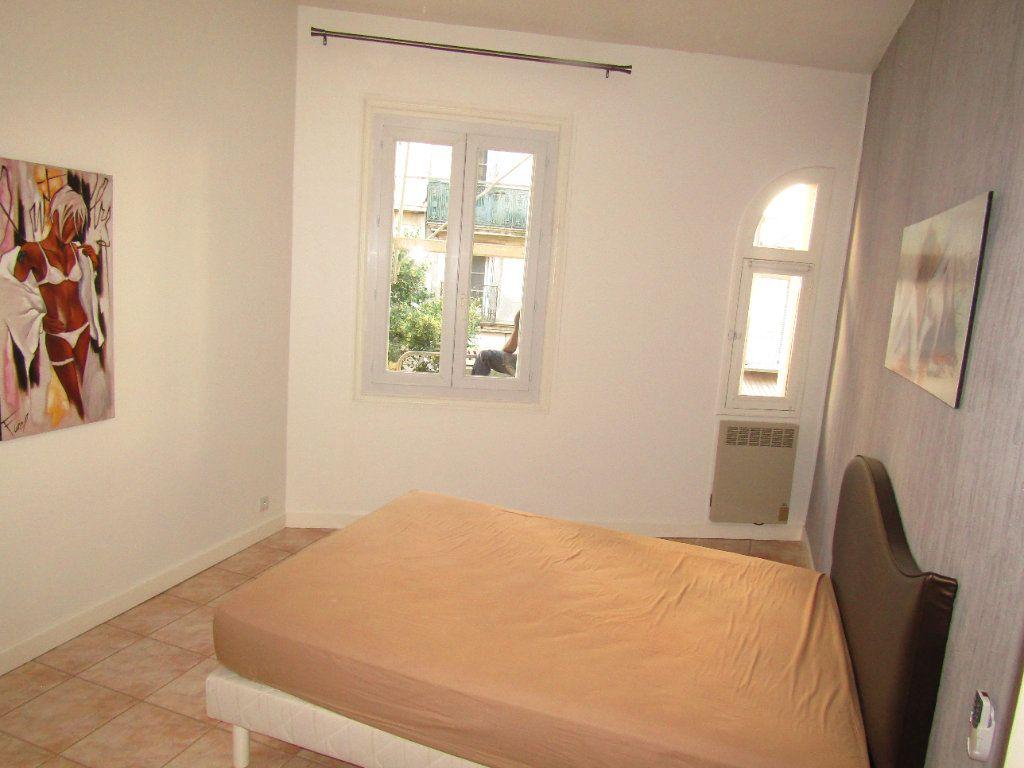 Appartement à louer 3 92m2 à Béziers vignette-8