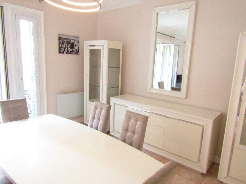 Appartement à louer 3 92m2 à Béziers vignette-9
