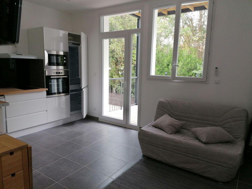Appartement à louer 1 24m2 à Béziers vignette-4