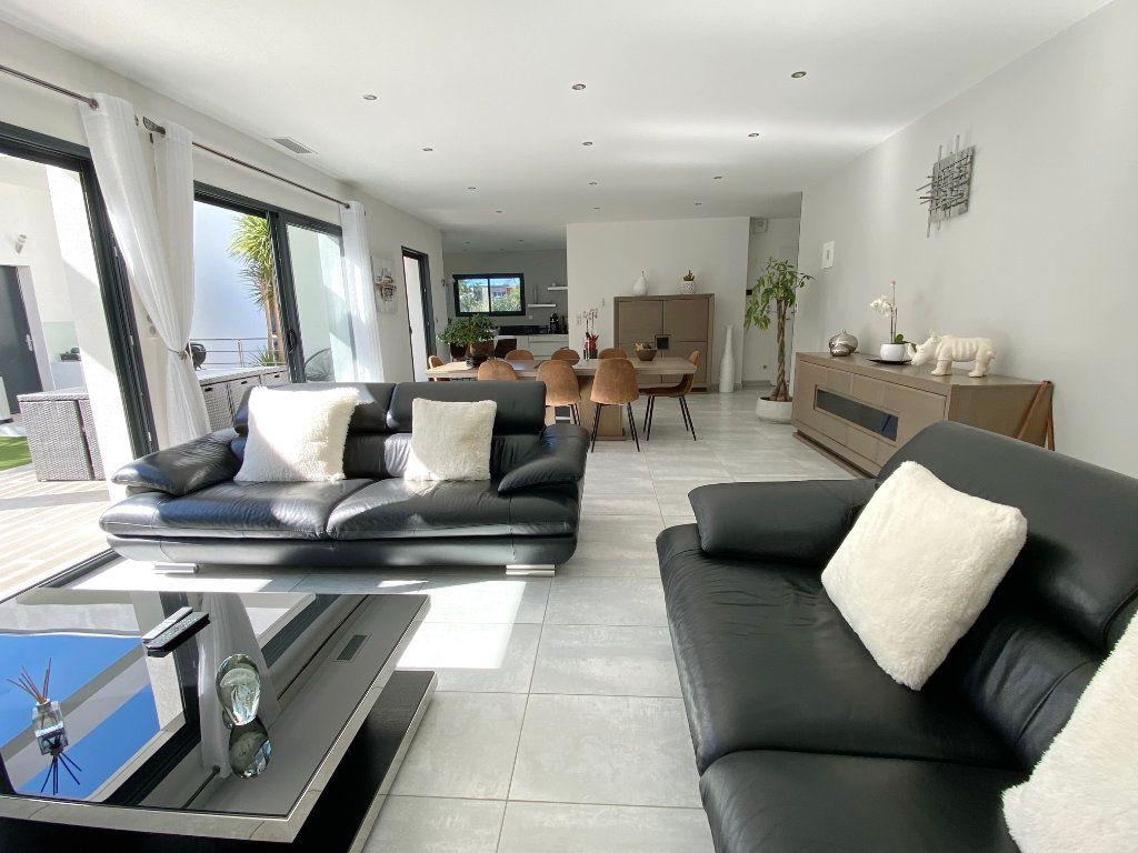 Maison à vendre 4 150m2 à Agde vignette-2