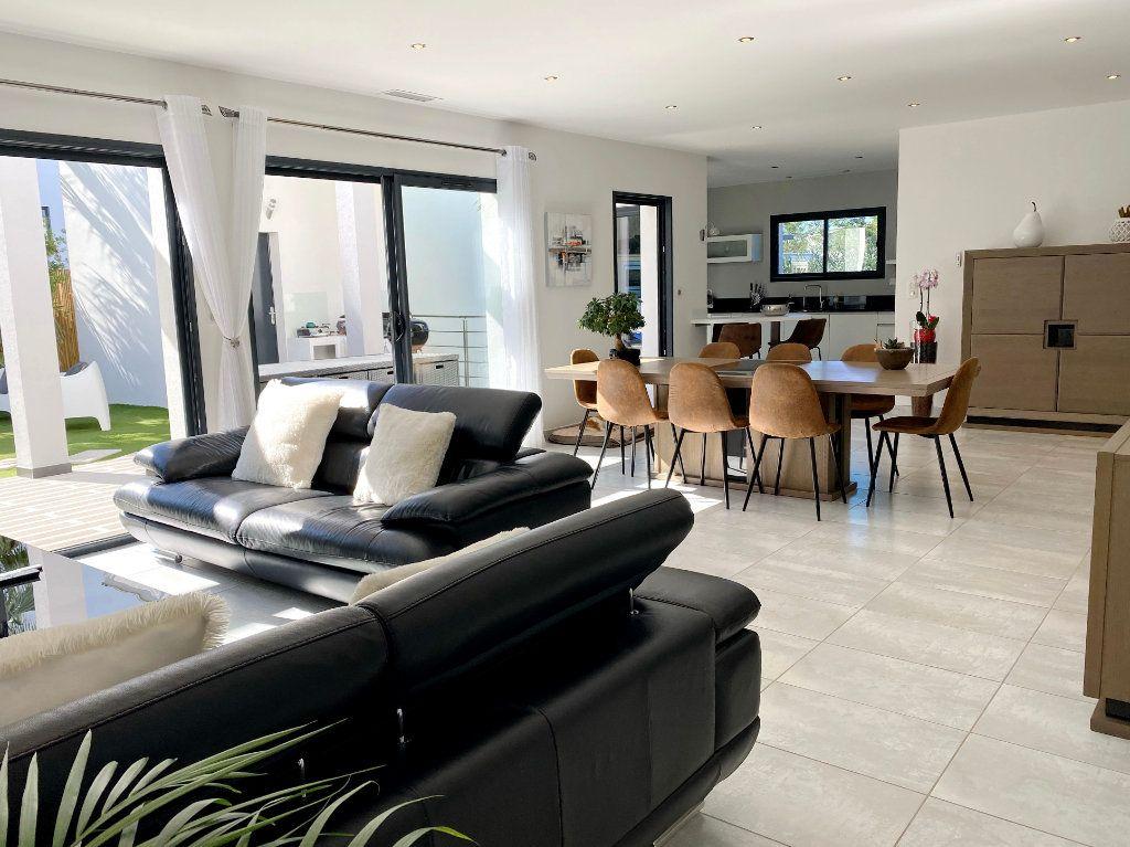 Maison à vendre 4 150m2 à Agde vignette-5