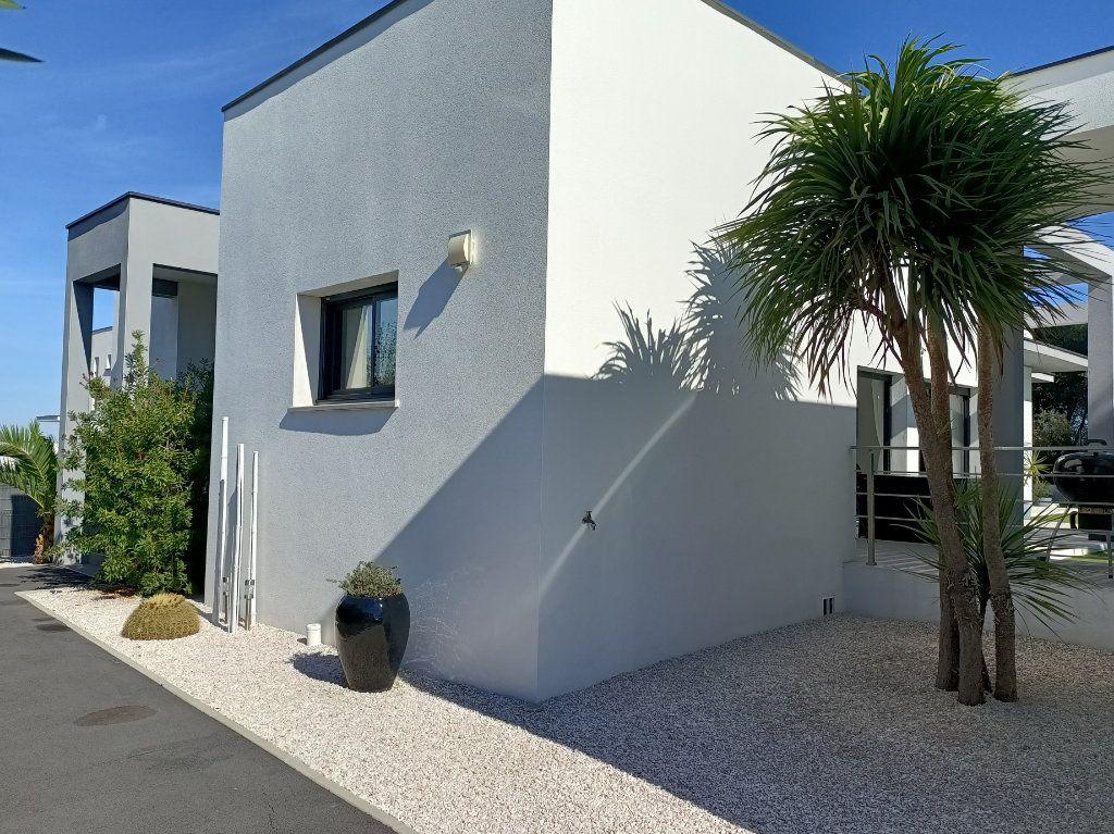 Maison à vendre 4 150m2 à Agde vignette-16