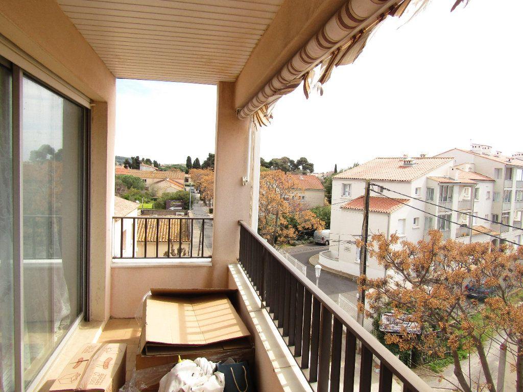 Appartement à louer 2 30m2 à Agde vignette-1