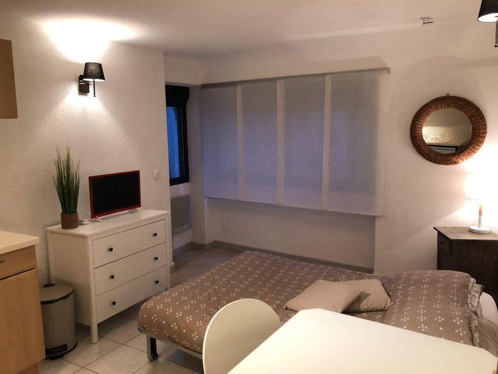 Appartement à louer 1 21m2 à Marseillan vignette-1