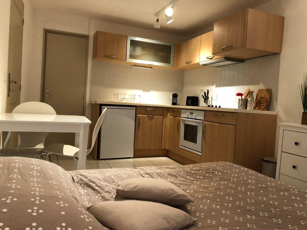 Appartement à louer 1 21m2 à Marseillan vignette-3