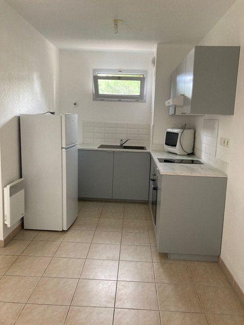 Appartement à louer 2 34.6m2 à Saint-Chamas vignette-1