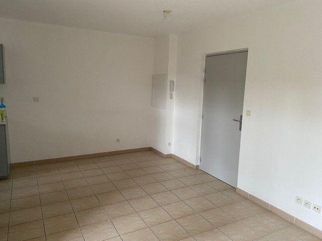 Appartement à louer 2 34.6m2 à Saint-Chamas vignette-2