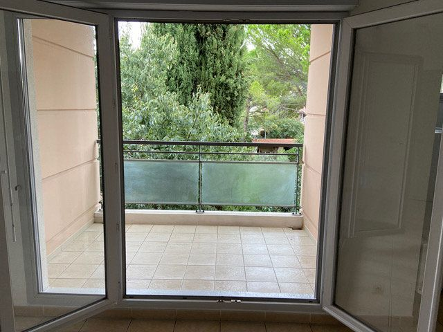 Appartement à louer 2 34.6m2 à Saint-Chamas vignette-5